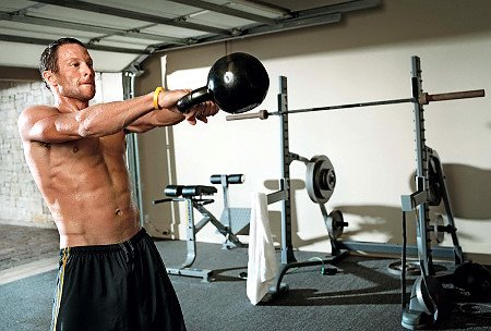 Lance Armstrong Swings A Kettlebell - CREDIT: Art Streiber/Men's Health